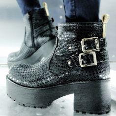 #ShoeOfTheDay #KONOS #SarkanyREvolution #FW15 #SARKANY http://www.rickysarkany.com/konos.html
