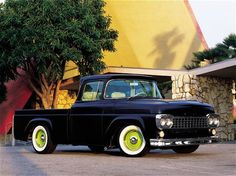 Black classic truck, old trucks. I personally would like to see the rims painted red instead of the green. Still very nice truck Hot Rod Trucks, Cool Trucks, Big Trucks, Lifted Trucks, Vintage Pickup Trucks, Classic Ford Trucks, Chevy Classic, Antique Trucks, Classic Trucks Magazine