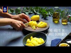 Rezept: Wunderbar weihnachtlicher Kartoffelsalat in zwei Varianten - YouTube Cantaloupe, Vegan, Fruit, Breakfast, Youtube, Food, Sweet Potato Recipes, Vegetarian Recipes, Chef Recipes