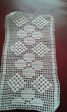 This Pin Was Discovered By Crochet Bedspread Pattern, Crotchet Patterns, Crochet Cushions, Crochet Art, Crochet Doilies, Crochet Flowers, Crochet Hooks, Filet Crochet Charts, Crochet Borders