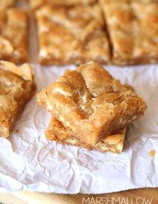Marshmallow Blondies ~ These are a Chewy Butterscotch and White Chocolate Blondie loaded with gooey marshmallows!!