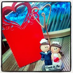 Travus <3 Au. #wedding #souvenir #photooftheday #photoholder #giveaway #gift #sailor #weddingfavor #favor #cute #love Photo Holders, Polymers, Facebook Sign Up, Giveaways, Wedding Favors, Christmas Ornaments, Holiday Decor, Cute, Gifts