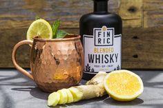 Der FINRIC Mule ist ein Whiskycocktail, der zu jeder Jahreszeit die perfekte Erfrischung bietet! Jetzt nachmixen und probieren! 🍹 Whiskydrink 🍹 Rezept Whisky Cocktail, Blended Whisky, Cocktails, Moscow Mule Mugs, Beer, Tableware, Mint, Flasks, Tips
