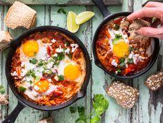 Eggs in Tomato Sauce Recipe Poached Eggs Shashuka Recipe Shakshuka Recipes, Tomato Sauce Recipe, Sauce Recipes, Iftar, Huevos Rancheros, Best Breakfast, Mexican Breakfast, Breakfast Pizza, Stuffed Peppers