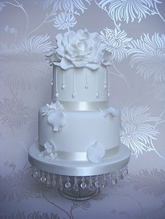 White Rose Droplet Cake