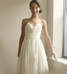 cute and comfy wedding dress. i love how it flows down and the bodice is very cute :)
