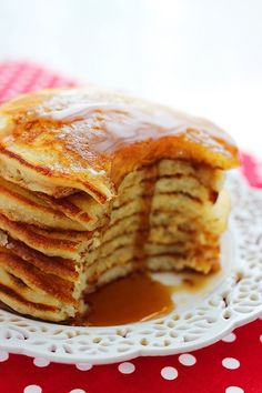 Fluffy Buttermilk Pancakes - the best! What's For Breakfast, Breakfast Pancakes, Breakfast Dishes, Breakfast Recipes, Ihop Pancakes, Pancake Recipes, Mexican Breakfast, Pancakes Easy, Breakfast Sandwiches