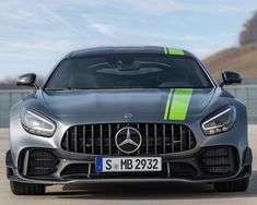 The new Mercedes-AMG GT R Pro: Closer to motor racing than ever before Mercedes Benz Amg, Mercedes G Wagon, Top Sports Cars, Sport Cars, Daimler Benz, Mens Toys, Supersport, Black Series, Courses