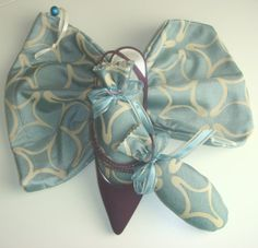 Store your shoes in the Blue Daisy ShooBag/ShooStuffer Set filled with French Lavender by shoesies4u on Etsy, $23.00