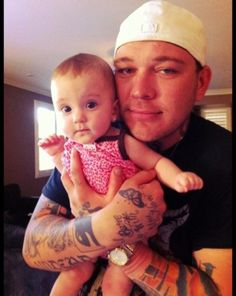 Johnny 3 tears from Hollywood Undead and his daughter Ava