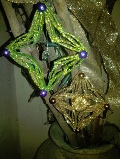 DIY Adorno de navidad - Estrellitas. Christmas Ornaments out of toilet paper rolls