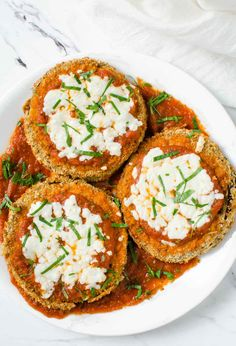 Eggplant parmesan fried in Air Fryer for the perfect crispy crust that exactly mimics the deep fried texture. Crusted eggplants topped with marinara sauce and fresh mozzarella cheese. Perfect side dish to try with pasta for a healthy lunch or dinner. Healthy Eggplant, Eggplant Parmesan, Eggplant Recipes, Air Fryer Recipes Eggplant, Quiche, Crockpot, Italian Seasoning Mixes, Air Fryer Healthy, Dinner Recipes