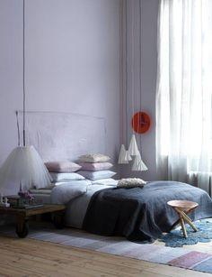 EN MI ESPACIO VITAL: Muebles Recuperados y Decoración Vintage: Dormitorios en blanco y gris { White and grey bedrooms }