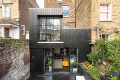 Extension en bois noir - Paul Archer Design - London