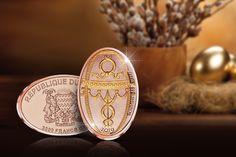 Näyttävä ruusukultauksella viimeistelty Fabergén pääsiäismunaa kunnioittava keräilyraha puhdasta 99,9 % kultaa! Coins, Personalized Items, Rooms