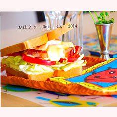 顎が外れそうなサンドウィッチ… - 23件のもぐもぐ - パンチェッタ、トマト、卵のサンドウィッチ by yasuko murakami