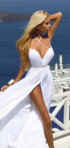 Gorgeous white dress!! Get the similar look on SD Trends @ http://www.stackdealz.com/deals/Forever21-Coupon-Promo-Codes-and-Deals--/