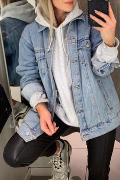 Tomboy outfits The Importance Of A Diamond's Cut Diamonds are a girl's best friend, or so goes a pop Winter Fashion Outfits, Look Fashion, Daily Fashion, Winter Outfits, Lolita Fashion, Modest Fashion, Fashion Ideas, Oversized Denim Jacket Outfit, Outfit Jeans