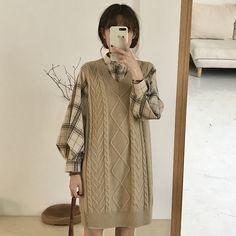 Korean Fashion Tips .Korean Fashion Tips Lit Outfits, Cool Outfits, Frock Fashion, Fashion Dresses, Korean Girl Fashion, Cold Weather Fashion, Korean Outfits, Minimal Fashion, Aesthetic Clothes