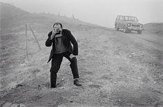 Abbas Kiarostami on location for Taste of Cherry in Tehran, Iran in 1991