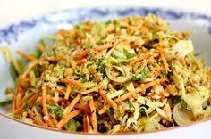 Vietnamesisk kålsalat Vegetarian Recipes Easy, Asian Recipes, Healthy Recipes, Ethnic Recipes, Bon Appetit, Tapas, Side Dishes, Veggies, Low Carb