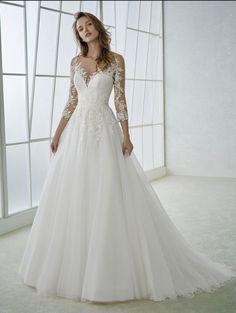 Retro Wedding Dresses, Cute Wedding Dress, Applique Wedding Dress, Wedding Dress Sleeves, Bridal Dresses, Wedding Gowns, Girls Dresses, Tulle Wedding, Formal Dresses