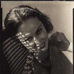 Exhibition: 'FOUND! Lusha Nelson Photographs' at the Philbrook Museum of Art, Tulsa  Lusha Nelson (Latvian-American, 1907-1938) 'Fay Wray' 1934  For more information copy and paste link below.  https://philbrook.org/explore/exhibitions/found  #photography #photographs #artblart5000 #art #blackandwhitephotography #tulsa #america #americanphotography #philbrookmuseum #lushanelson #fame #film #filmstar #celebrity #hollywood #actor #actress #faywray…