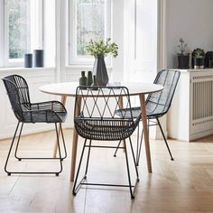 Hubsch Stoel Rotan Zwart 59x50xh83cm - Designwonen.com | Meubelen & verlichting Oak Dining Table, Table, Dining Room Design, Living Table, Small Living Room Decor, Furniture, Round Dining Table, Dining, Home Deco