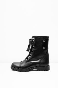 Zadig & Voltaire ranger boots with large engraved eyelets and wide ribbon  laces. Large metal