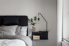 Finding a nice and practical nightstand at an affordable price can be difficult. To be honest, I think the selection are really bad, and I hope we will have a The post Smart nightstand idea appeared f Room Decor Bedroom, Home Bedroom, Bedroom Signs, Master Bedrooms, Bedroom Apartment, Bed Room, Bedroom Ideas, Home Interior, Interior Design Living Room