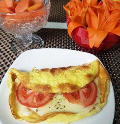 Bommm diaaaa... ótima dica de café da manhã rico em proteína dos ovos e do queijo (@verdecampo)e fibras e vitaminas do mamão 👌 não pode faltar!!! #4mesesposparto #voltando #realfood #fitfood #thaishealthstyle Healthy Breakfast Casserole, Best Breakfast, Vegetarian Breakfast, Breakfast Recipes, I Love Food, Good Food, Yummy Food, Food Porn, Tumblr Food