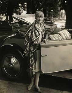 Color Moves: Arte e Moda di Sonia Delaunay - Abitare Sonia Delaunay, Robert Delaunay, 20s Fashion, Fashion History, Art Deco Fashion, Vintage Fashion, Fashion Design, Harlem Renaissance, Miuccia Prada