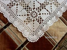 Crochet Bedspread Pattern, Crochet Doilies, Bohemian Rug, My Favorite Things, Decor, Farmhouse Rugs, Tablecloths, Diy And Crafts, Recipe