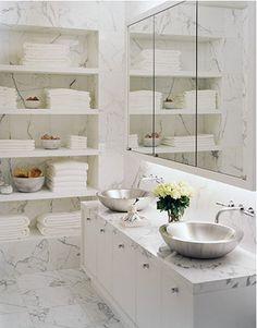 Tienen un cuarto de baño  ordenado y bien organizado sin transformarlo en sala de archivos austero puede convertirse rápidamente en una pesa...