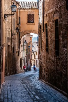 Toledo: Calle del Ángel Bay Of Biscay, Toledo Spain, Iberian Peninsula, Travel Box, Mediterranean Sea, Andalucia, Urban Landscape, Spain Travel, Places To Visit