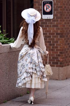Though this might be simply a costume of Victorian fashion, it looks authentic enough to be included in this board.    c: