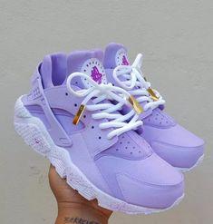 Printing Videos Architecture Home Gray Tennis Shoes Life Jordan Shoes Girls, Girls Shoes, Jordans Girls, Souliers Nike, Basket Style, Huaraches Shoes, Nike Shoes Huarache, Cute Sneakers, Purple Sneakers