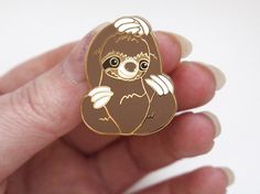 Sloth Enamel Pin by riamelin on Etsy Gold Jewelry, Unique Jewelry, Jewellery, Mommy Jewelry, Cute Sloth, Cool Pins, Pin And Patches, My Spirit Animal, Animal Tattoos