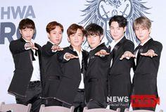 Shinhwa 18th Anniversary HERO Concert : Eric Mun, Lee Min-woo, Kim Dong-wan, Shin Hye-sung, Jun Jin and Andy Lee