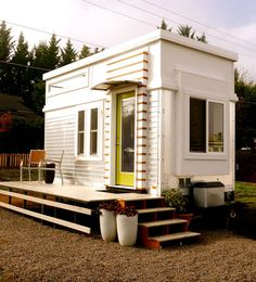 Ron's Tiny House | A 200 square feet tiny house on wheels in Ashland, Oregon. Photos and built by Ron Rusnak.