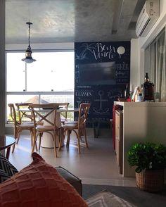 Hello people! Para fechar o dia de inspiração com tudo que tal essa cozinha que encontrei no Decore Interiores {@decoreinteriores}? Amei. Projeto: Autor Desconhecido.
