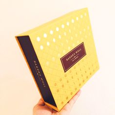 BAKER'S WELL MID AUTUMN MOONCAKE FESTIVAL 2015 MOONCAKE BOX Bakery Packaging, Box Packaging, Packaging Design, Sweet Box Design, Wooden Photo Box, Champagne Truffles, Types Of Packaging, Moon Cake, Chocolate Box