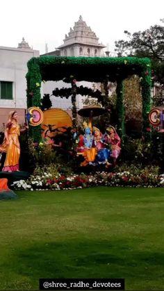 Radha Krishna Songs, Krishna Flute, Radha Krishna Love Quotes, Cute Krishna, Radha Krishna Pictures, Lord Krishna Images, Krishna Art, Radhe Krishna, Shree Krishna Wallpapers