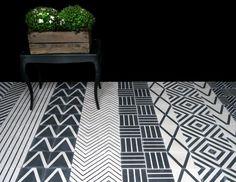 Marrakech design // patterned floor // monochrome