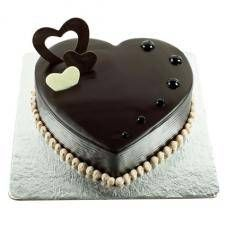 Order Passion of Love Choco Heart Cake online from Cake Express and get home delivery any where in Delhi, Noida, Ghaziabad, Faridabad, Gurugram and Greater Noida. Passion of Love Choco Heart Cake can be delivery in midnight . Order New Ashok Nagar online Heart Shaped Birthday Cake, Send Birthday Cake, Birthday Cake Delivery, Heart Shaped Cakes, Heart Cakes, Birthday Blast, Heart Shaped Chocolate, Chocolate Hearts, Chocolate Truffle Cake