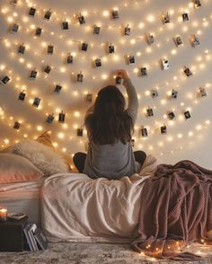 fairy lights + polaroids Great way to display Christmas Cards Plus