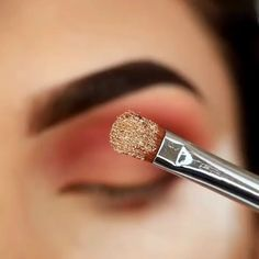 Makeup Tricks to Look Younger : 11 Ways to Look Younger With Makeup Makeup 101, Cute Makeup, Glam Makeup, Makeup Goals, Pretty Makeup, Skin Makeup, Makeup Inspo, Eyeshadow Makeup, Makeup Inspiration