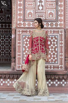 The Pakistani Bridal Dresses 2017 reveal shades and designs for shaadi season.Collection of the most beautiful Pakistani Bridal dresses Pakistani Wedding Outfits, Pakistani Bridal Dresses, Indian Dresses, Pakistani Party Wear, Bridal Dresses 2017, Sharara Designs, Eastern Dresses, Short Frocks, Pakistani Couture