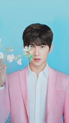 Face shape inspo for luca Yang Wei, Yang Yang Actor, Wei Wei, Yang Chinese, Chinese Fans, Chinese Boy, Asian Actors, Korean Actors, The Dream