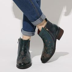 Socofy retro flower boots pattern in 100% genuine leather with elastic strap 👞myalleshop Cow Leather, Leather Boots, Latest Shoe Trends, Retro Flowers, Shoes Outlet, Winter Boots, Ankle Boots, Booty, Fitness